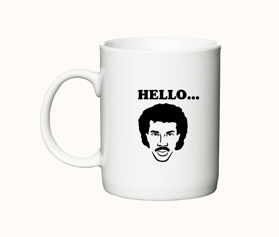 Hello... is it tea you're looking for - krus med Lionel Richie - højre