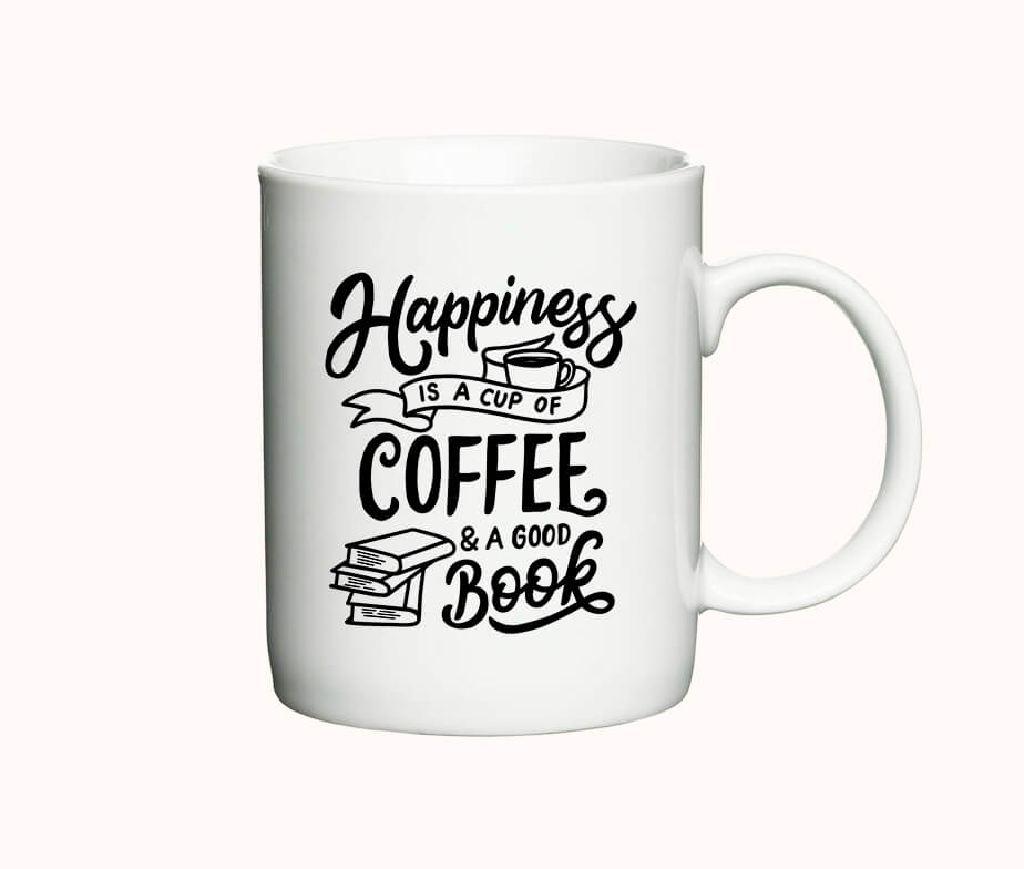 "Krus med teksten ""Happiness is a cup of coffee & a good book"